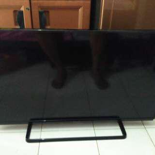 "TV PANASONIC LED 40"" Model Manis"