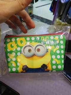 日本直送正版 Minions 筆袋收納袋散紙包小銀包