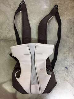 REDUCED 🆓📮COMBI BABY CARRIER FROM JAPAN