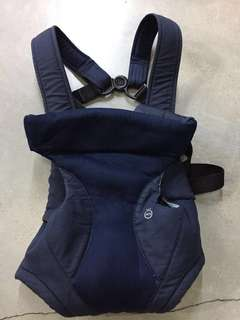 REDUCED 🆓📮COMBI BABY CARRIER 🇯🇵