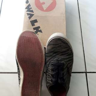 Airwalk shoes (sneakers)