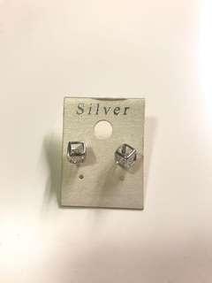 方形耳環 Cube Earings