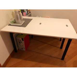 9成新 餐桌