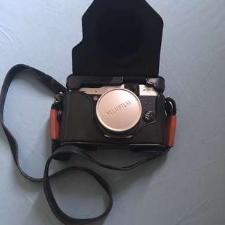 Kamera Fujifilm X20 Mirrorless + Lensa