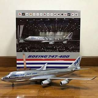 1/200 JC Wings Boeing House Colours B747-400 Polished
