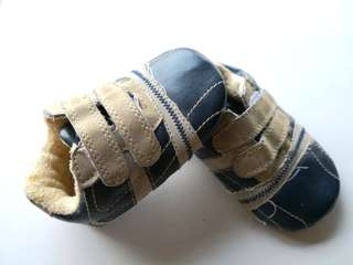 PRELOVED MOTHERCARE Navy Blue & Tan Velcro Straps Baby Shoes Size 3 / up to 12 months - in OK condition with flaws
