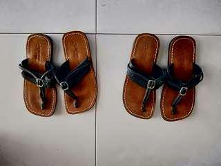 Kids Sandal : 2 pairs $10