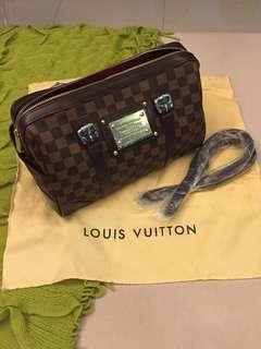 Louis Vuitton Printed Handbag (Class A)