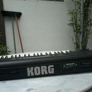 KORG 01/Wfd Made In JAPAN WORKSTATION