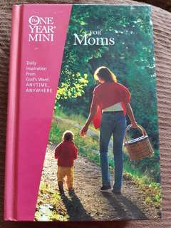 Daily Inspiration Book for Moms