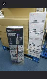 Dyson V10 Absolute plus. 2 heads and 4 tools. U.K specs