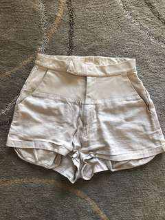 Shakuhachi linen and leather high waisted shorts