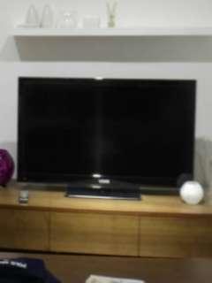 "Used 42"" LCD TV, Vdigi"