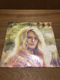 THE WORLD OF LYNN ANDERSON黑膠唱片專輯黑膠唱片 早期黑膠唱片 造型背景 裝置藝術 黑膠唱片