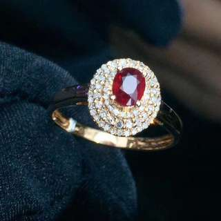 18K金鴿血紅無燒紅寶石鑽石戒指