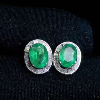 18K金鑲嵌鑽石祖母綠耳釘耳環