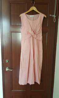 近全新粉色棉麻扭結背心洋裝