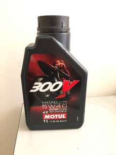 🚚 MOTUL 300V 4T 5W40 road racing 機油