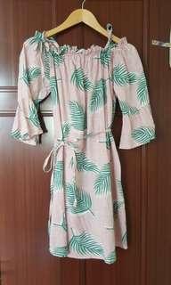 🚚 近全新粉色葉片棉麻洋裝。#女裝半價拉