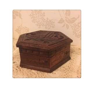 🚚 精緻 手工雕花 珠寶盒