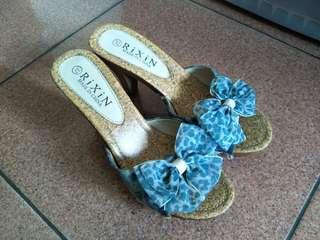 藍色蝴蝶結高跟涼鞋 木質鞋跟 美麗女人味