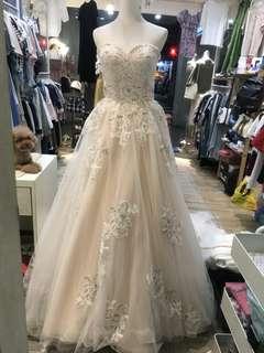 蕾絲粉膚色婚紗