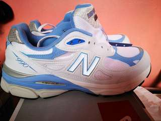 New Balance Running course/shoes