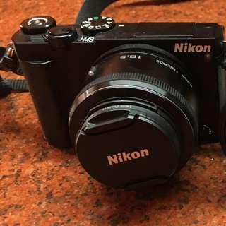 Nikon 1 J5 Mirrorless Camera (Double Lens Kit) with Freebie