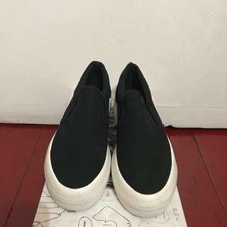 Kicks Slip On Shoes