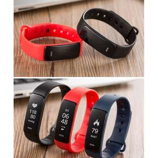 Smart Watch come with additional Red or Blue Wrist Band