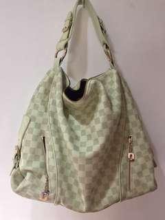 Edward shoulder bag