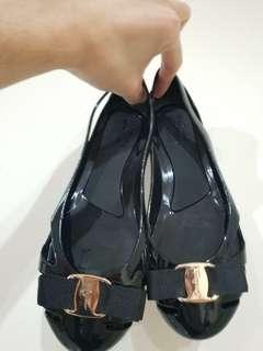 Sepatu Feragamo Wanita