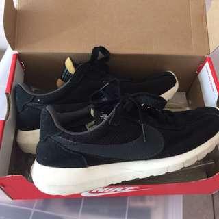 🚚 Nike W Roshe LD-1000 鞋 黑白經典