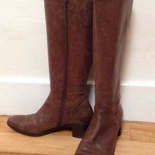 Knee-height brown leather boots