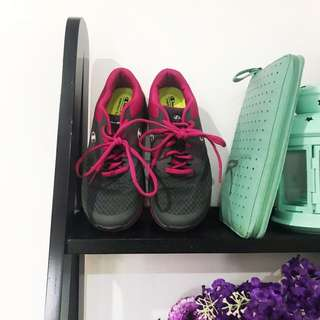 Buy 1 Take 1 Size 6 Champion Sports Rubber Shoes