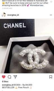 Chanel Brooch la perle *free pouch*