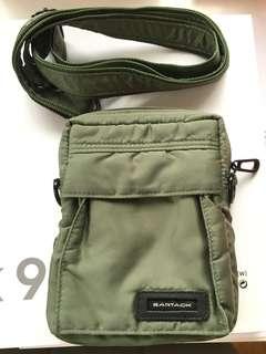 實用袋 斜揹袋 軍綠色