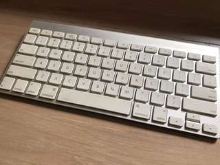 Apple Magic Keyboard (Wireless)