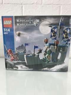LEGO Knights Kingdom 8801 Knights' Attack Barge