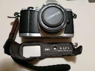 Olympus E-M5 MI + accessories