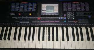 YAMAHA PSR 220 WITH FREE STAND