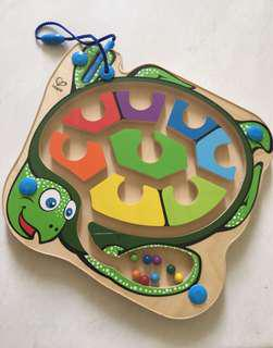 Mainan montessori warna