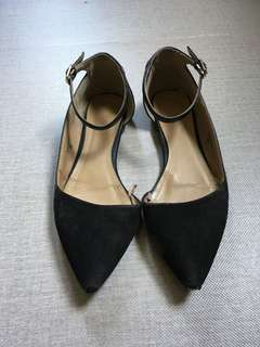 Preloved Black Flat Pointed Shoes