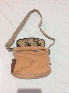 Preloved Nici Girl's Sling Bag