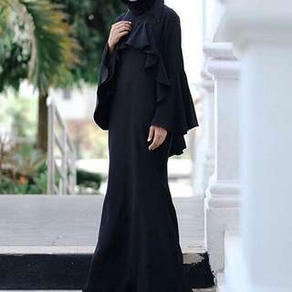 Ruffle dress hitam