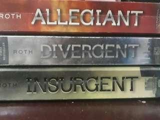Allegiant. Divergent. Insurgent by Roth