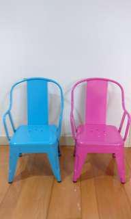 兒童名牌椅子
