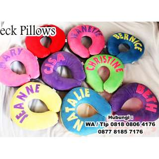 souvenir bantal leher bordir logo custom