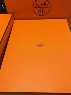 Hermes 手袋盒