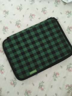 Yinmaco case for netbook or tablets
